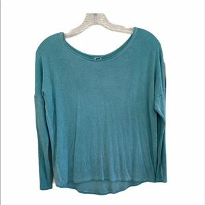 $4/25 Erge blue open back tee shirt